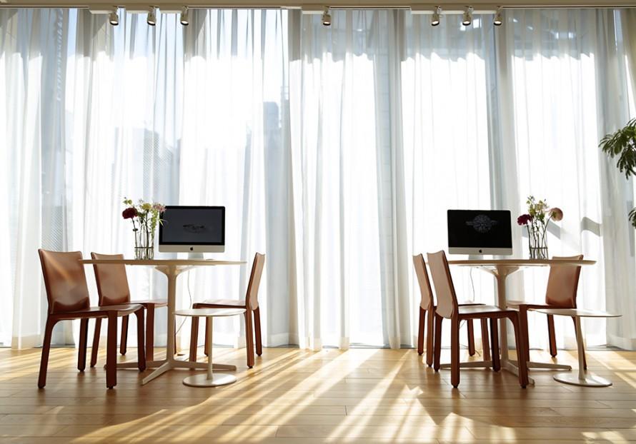 自然光が溢れる銀座ショールームの画像