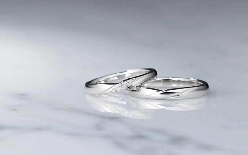 重ねづけがしやすい新作の結婚指輪(マリッジリング)の画像