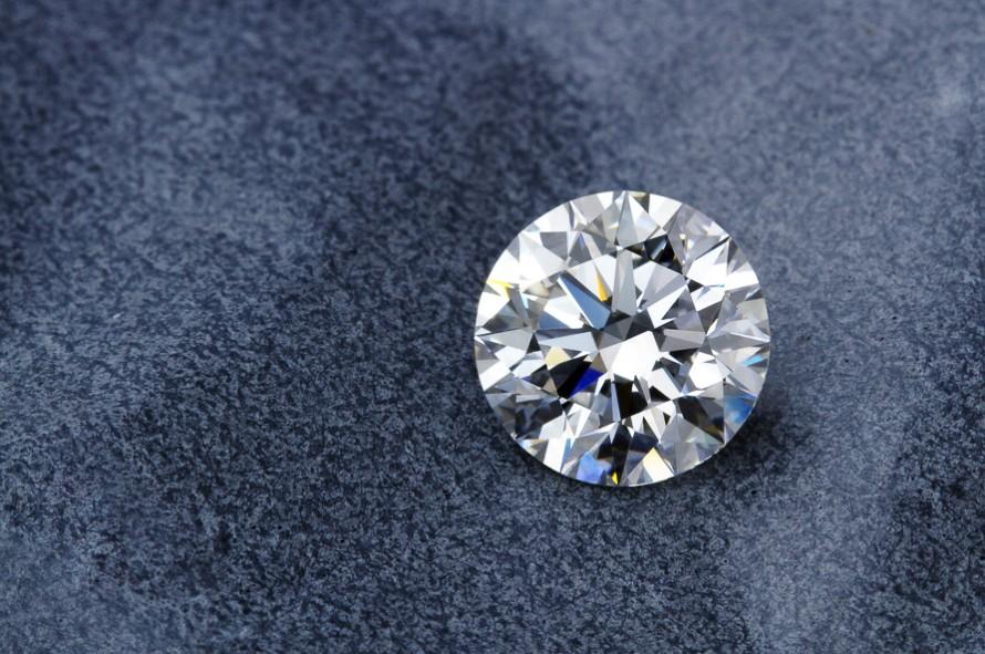「FL(フローレス)のダイヤモンドはありますか?」の画像