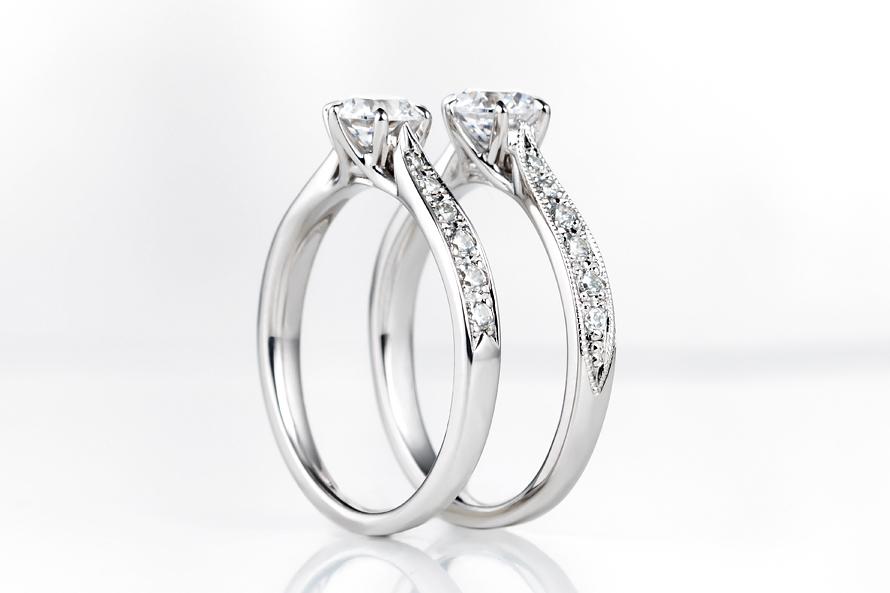 エタニティータイプの婚約指輪の画像