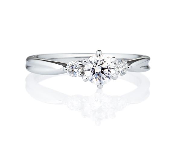 カスタマーサポートスタッフお勧めの婚約指輪(エンゲージリング)の画像