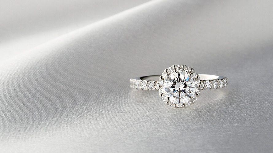 """憧れの婚約指輪""""ヘイローリング""""の画像"""